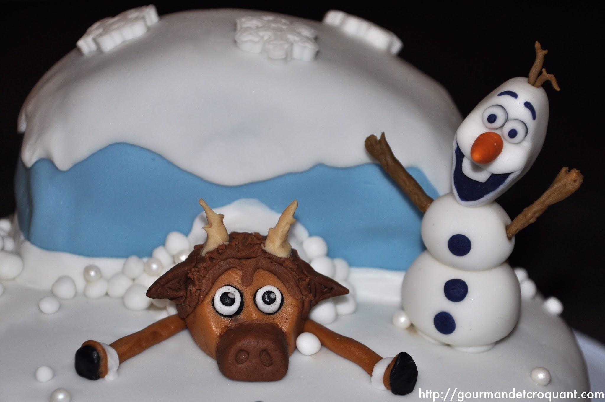 Gateau-anniversaire-theme-reine-neiges