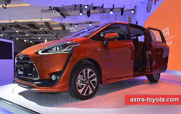 Selamat Toyota All New Sienta meraih Best Buy Car IIMS 2016