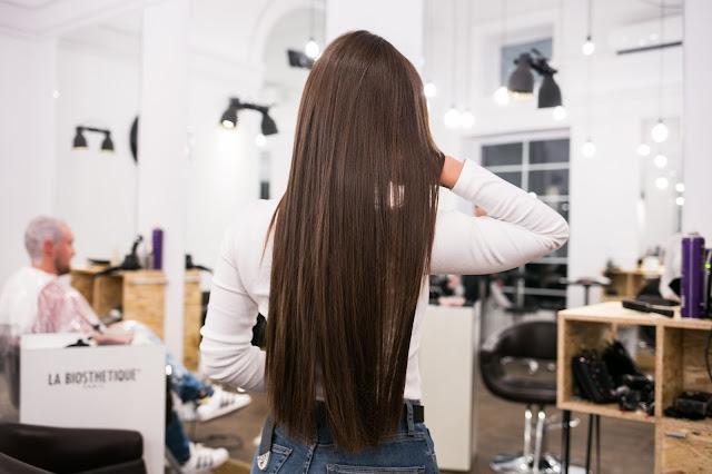 Przedłużanie włosów na taśmy / HAIRTALK  - Czytaj więcej