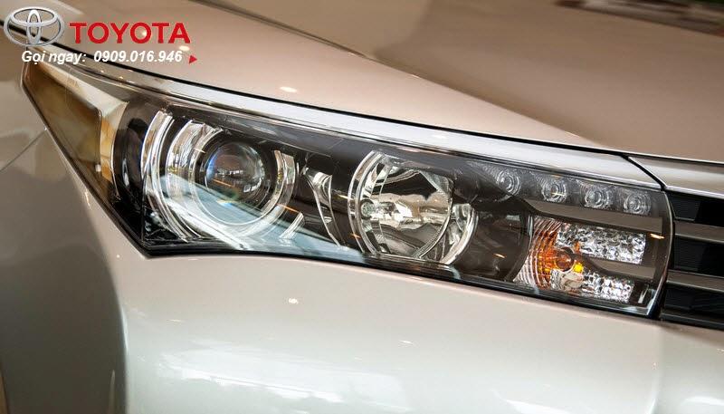 altis 2.0 3 - Đánh giá Toyota Corolla Altis 2.0 V 2014 - Lướt êm với phong cách thể thao mạnh mẽ - Muaxegiatot.vn