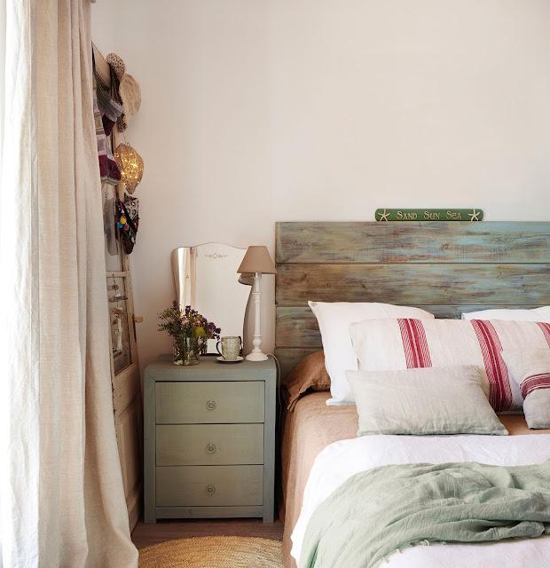 pat din lemn nefinisat