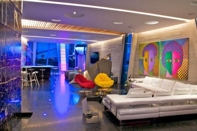casa decorada Casa Moderna e Futurista Com Muita Luz e Cor