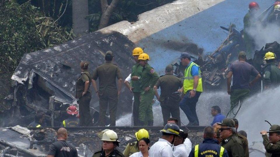 Δεκάδες νεκροί και 3 επιζώντες που «χαροπαλεύουν» από την συντριβή αεροπλάνου στην Αβάνα