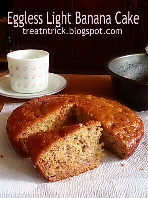 Eggless light Banana Cake Recipe @ http://treatntrick.blogspot.com
