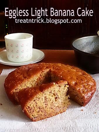 Eggless light Banana Cake Recipe @ http://treatntrick.blogspot.com