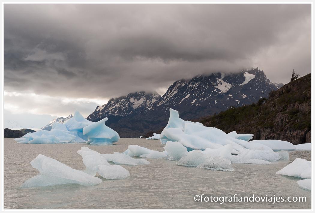 iceberg en lago Grey parque Torres del paine en Chile