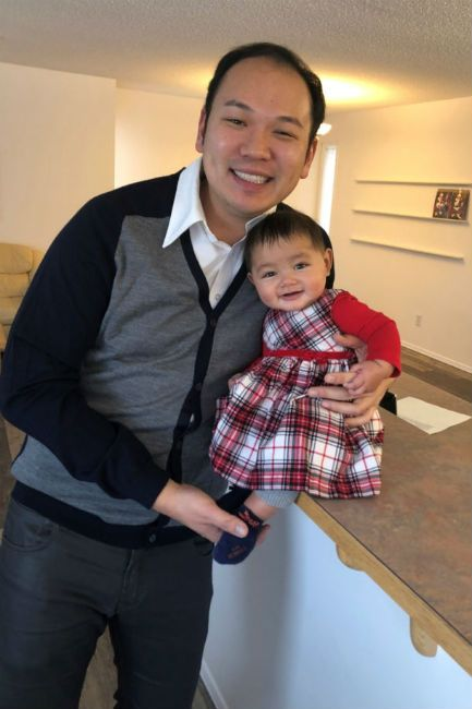 A Man Becomes A Single Father Thanks To A Surrogate Mother After 8 Years Of Chess