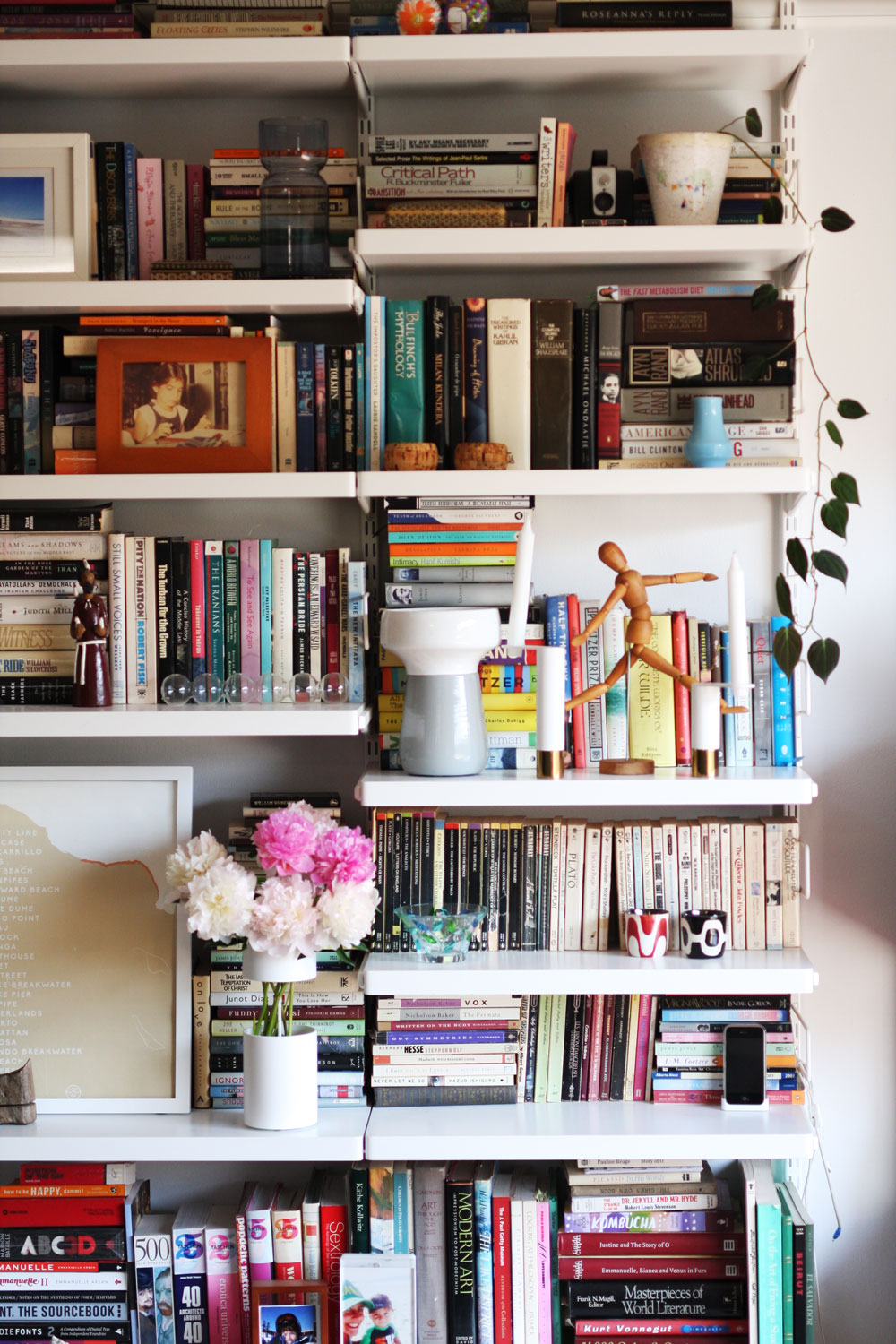15 Styled Bookcases That Will Make You Want To Redecorate