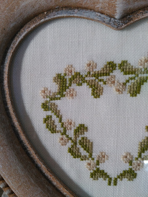 punto cruz, cross stitch, point croix, bordado, broderie, embroidery, mistletoe, muerdago, corazón, heart, coeur, gui