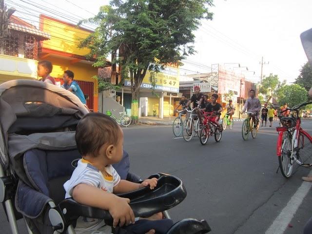 Car Free Day Jombang, Jalan-jalan sambil Olahraga