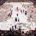 Χριστουγεννιάτικη βροχή από.. 24 χιλιάδες αρκουδάκια σε γήπεδο του Καναδά! (video+photos)