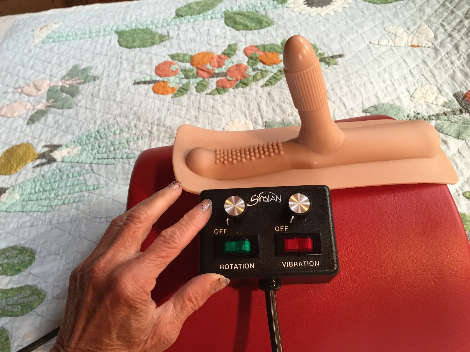 Double penetration sybian attachment