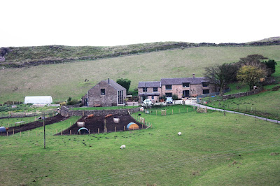 Photo of the farmhouse, taken from the gate - a considerable distance!