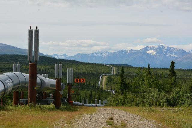 Alaska Pipeline zig zag