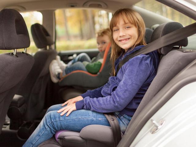 Cadeirinha para crianças no carro em Orlando