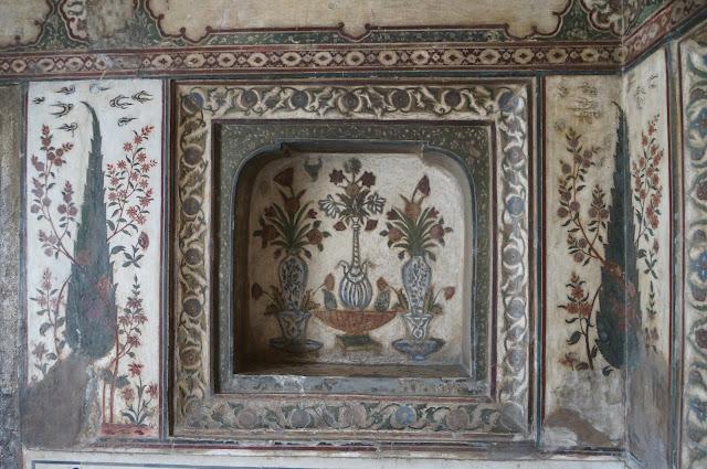 Desain khas bagian dinding di Baby Taj, Agra, India