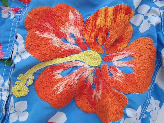 Sommarlovsbroderi 2- Orange Hibiskus