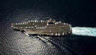 Estados Unidos despliega portaaviones nuclear en Florida en medio de crisis con Venezuela.