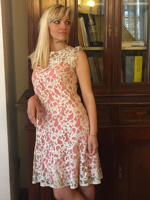 outfit cerimonia outfit pizzo outfit abito pizzo outfit primavera estate 2018 abito gloria bellacchio mariafelicia magno fashion blogger colorblock by felym fashion blogger italiane fashion bloggers italy lace dress how to wear lace dress