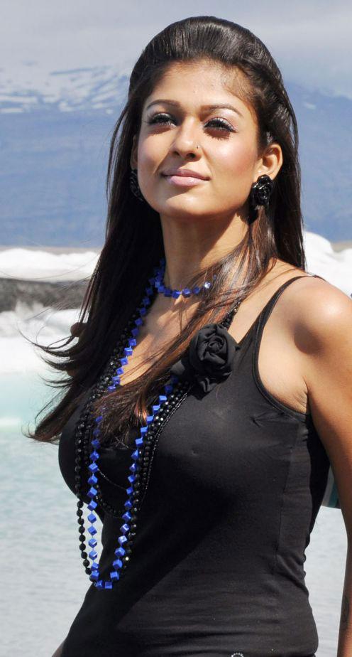 Nayanthara Hot Stills Andhraidle