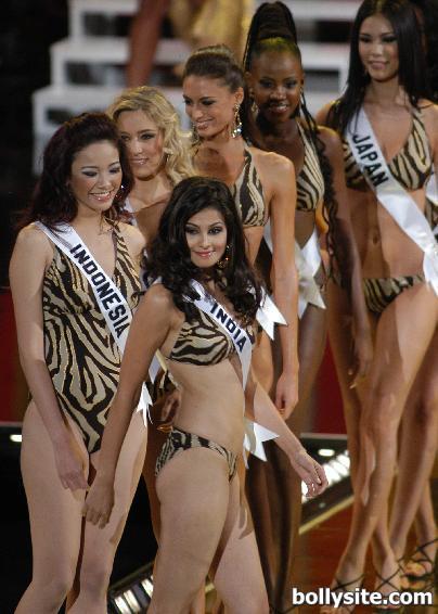 Pooja Gupta Bikini Pics #Pooja