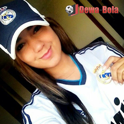 fans girl real madrid bule