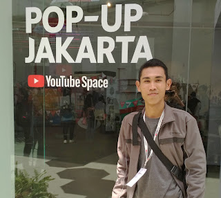 YouTube Pop Up Space