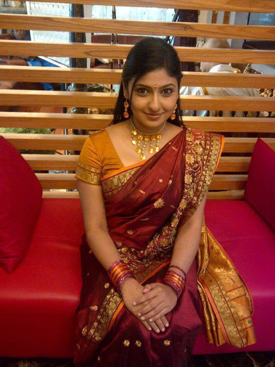 tamil college girls in saree