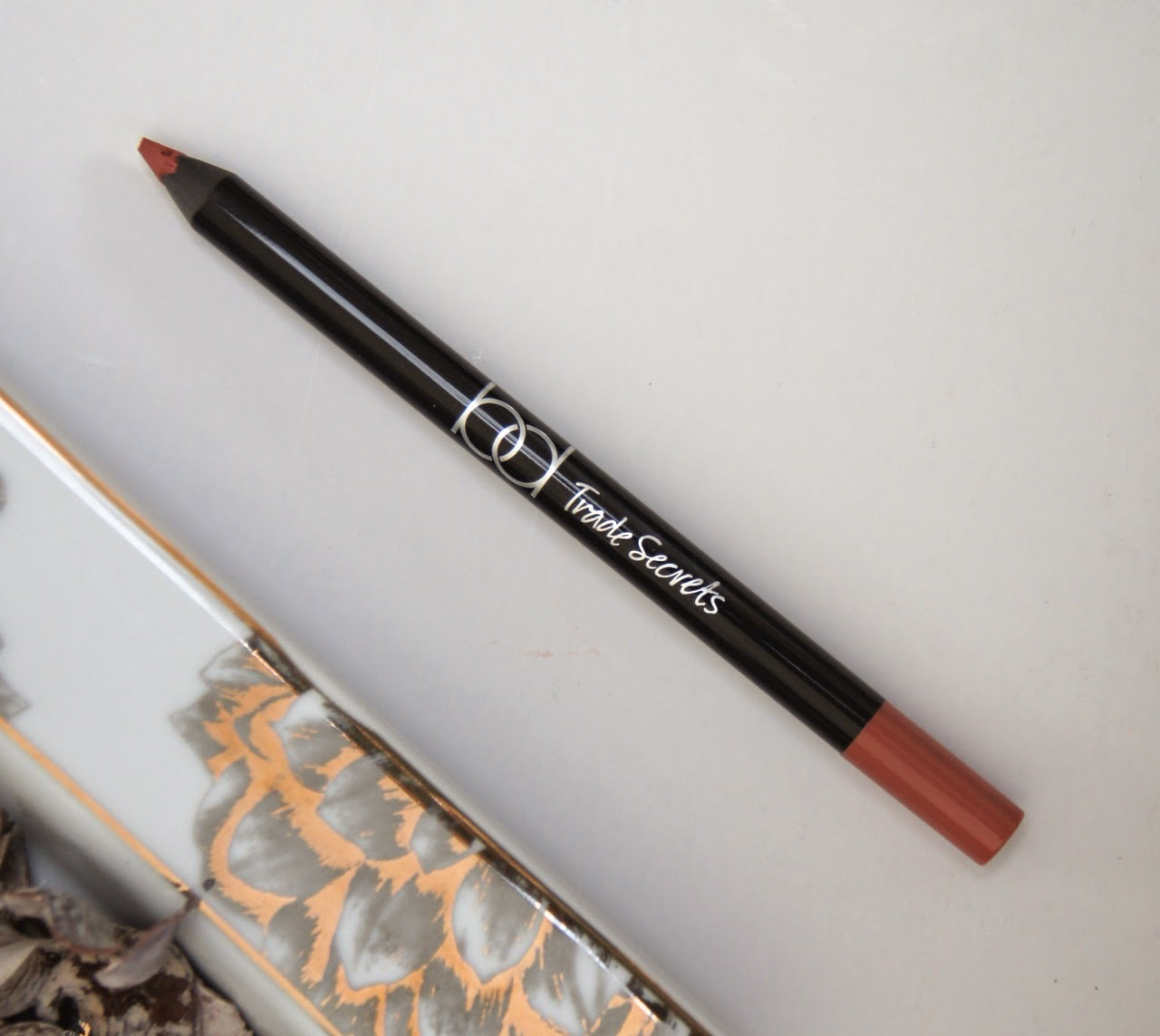 tesco bd trade secrets lip liner sugar & spice review swatch