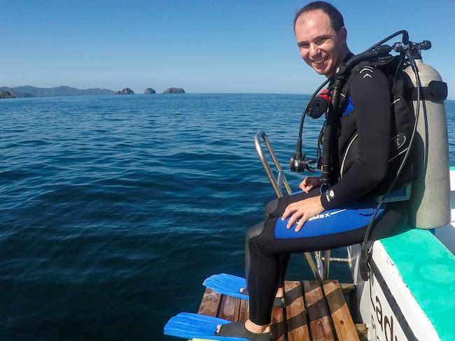 Alberto preparado para bucear en el Pacífico