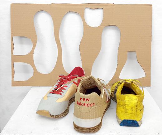 横浜美術学院の中学生教室 美術クラブ 「紙でつくる靴」レクチャーの様子2