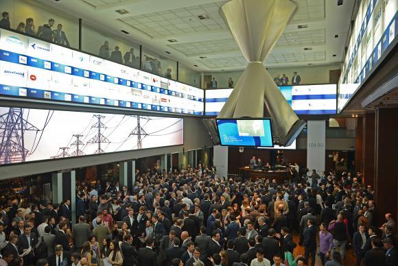 A Aneel faz leilão para a construção, operação e manutenção de 4.919 Km de linhas de transmissão, na Bolsa de Valores B3 (Rovena Rosa/Agência Brasil)Rovena Rosa/Agência Brasil ; Rovena Rosa/Agência Brasil