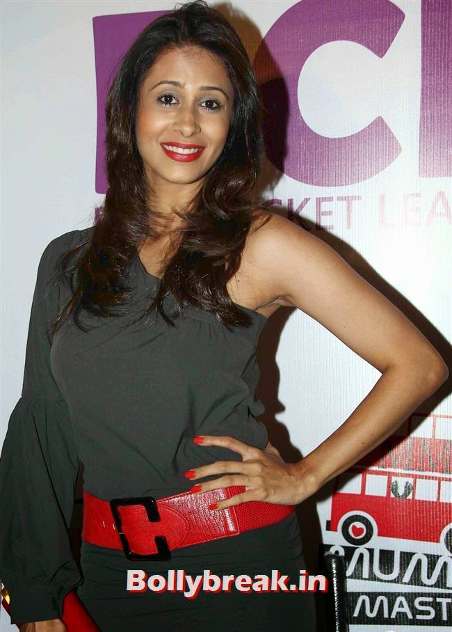 Kishwer Merchant, Tv Actresses Launch Golden Bat of Box Cricket League