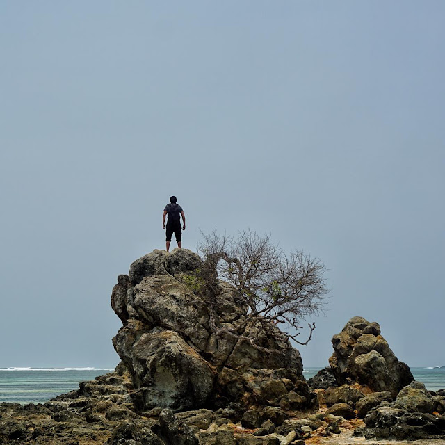 foto pemandangan pantai kuta lombok