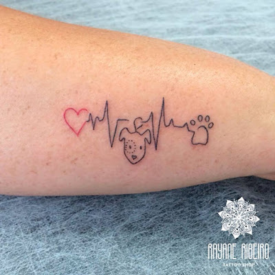 Tatuagem traço fino delicada cachorro