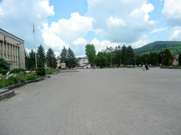 Сколе. Площадь Независимости
