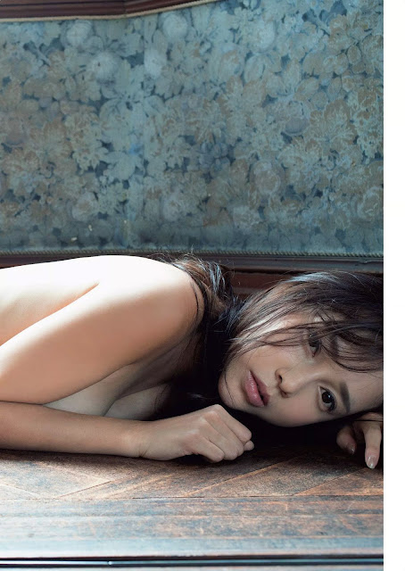 ICONIQ Ito Yumi 伊藤ゆみ Weekly Playboy Sep 2016 Pictures 04