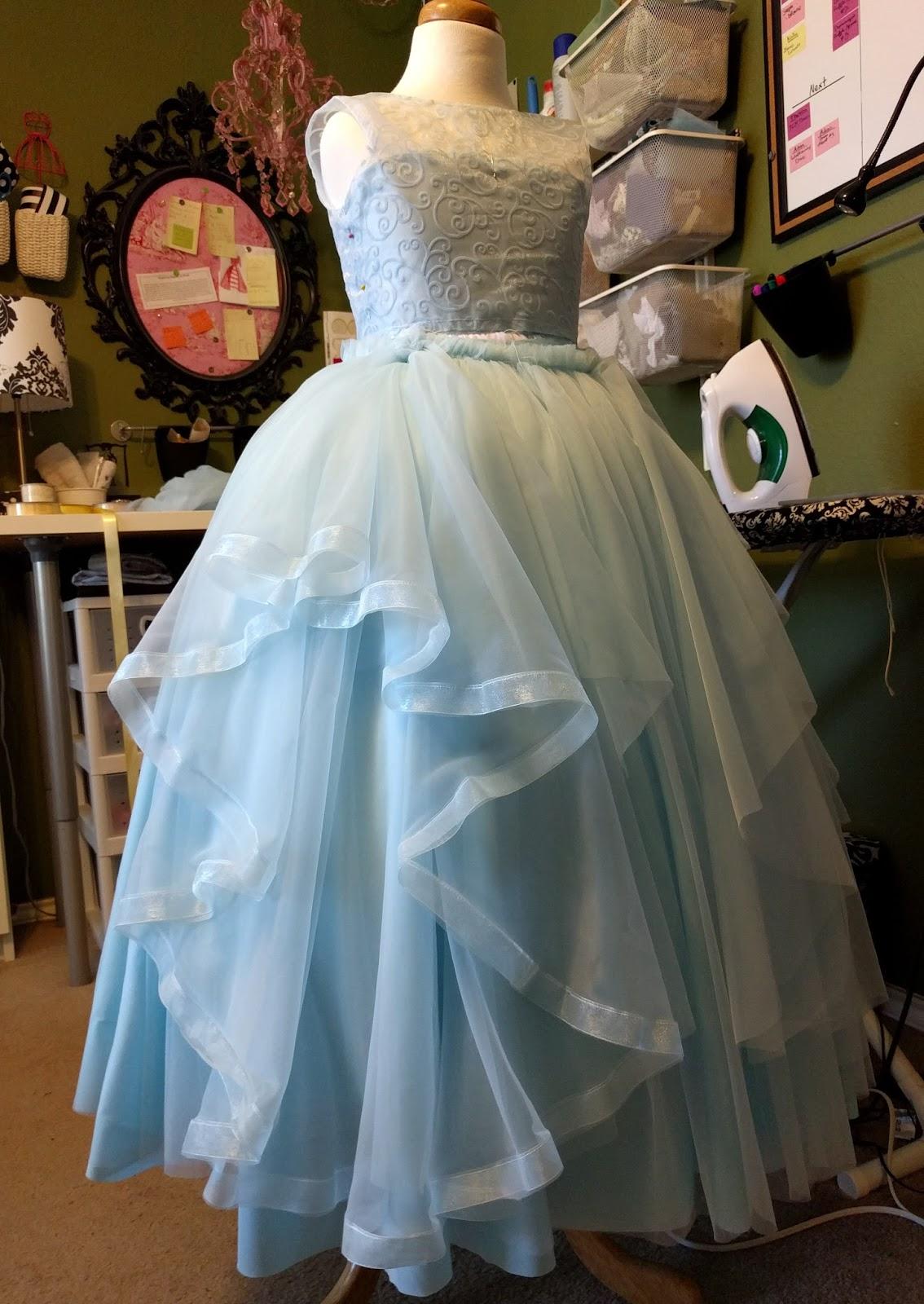 Aux Belles Choses: Bluebonnet Dresses - Finished!