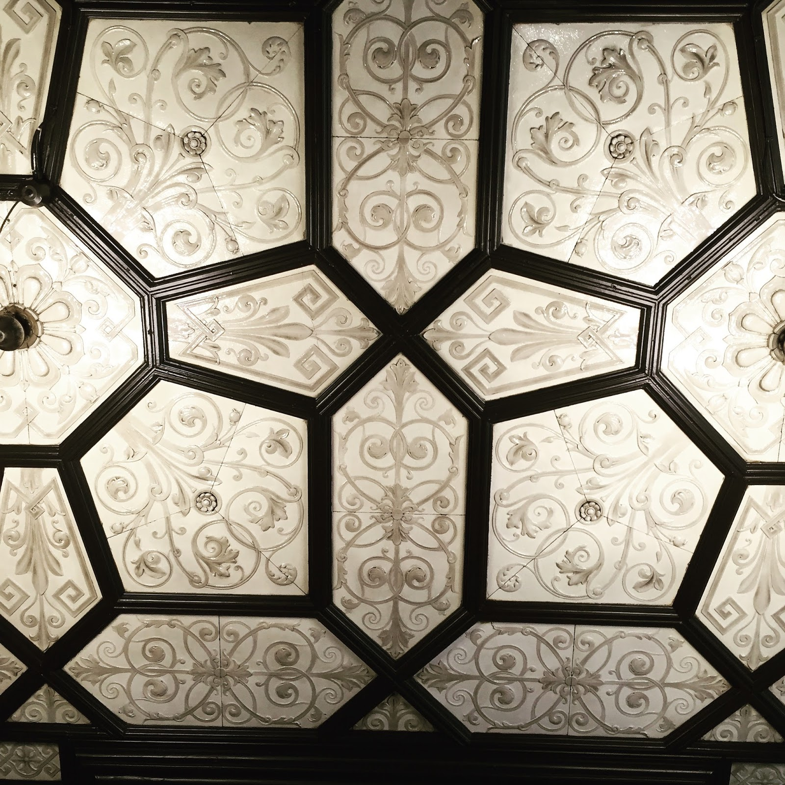 Emma vining hand knitting march 2016 ceiling tiles in 71 renfield street glasgow dailygadgetfo Image collections