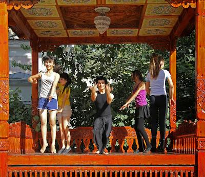 Tadjikistan, Douchanbé, théâtre Padida, Samarhon, danse, tapshan, tapchane, © L. Gigout, 2012