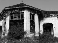 Sosok Hitam Menggantung Di Rumah Kosong Gemparkan Warga Bogor