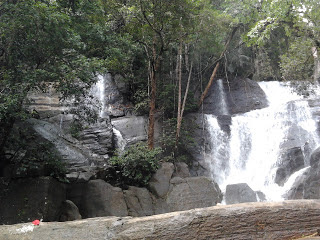 Photos of Vazhvanthol Waterfalls