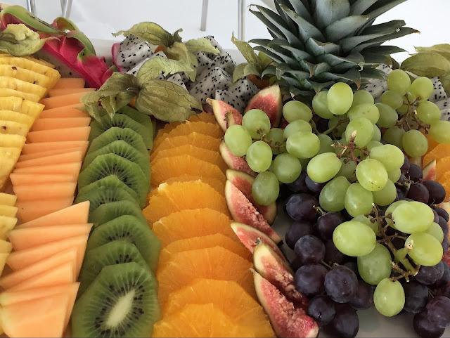 Früchteplatte alles schon aufgeschnitte und geniessbereit