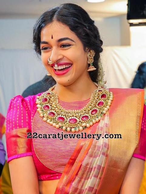 Vasundhara Jewellers CEO Daughter Ayushi Kundan Choker