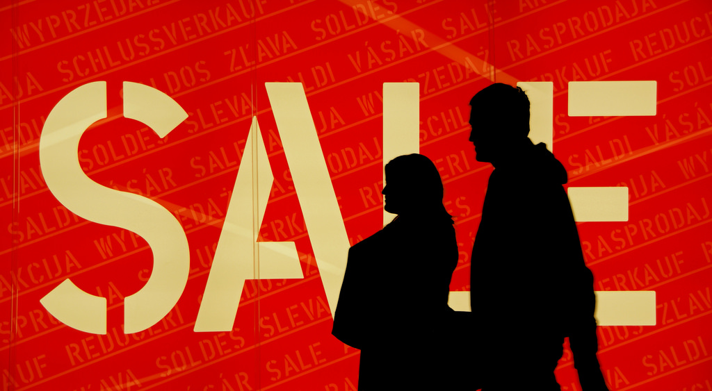 衝高營業額就代表一定能賺錢?產品降價求售前要想清楚的兩件事 | 經理人