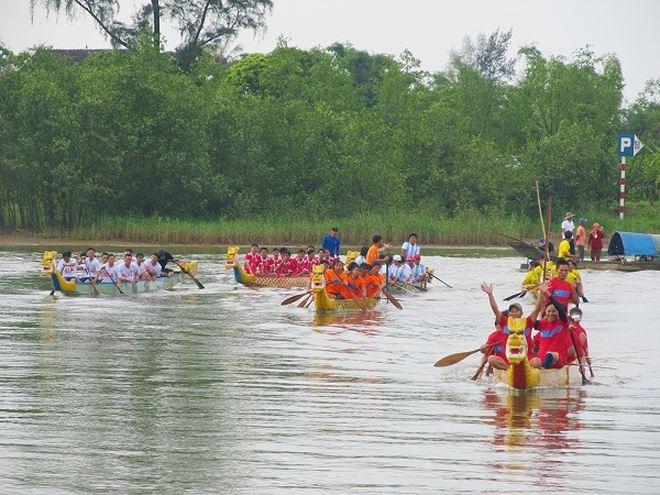 Tại vĩ tuyến 17, tỉnh Quảng Tri tổ chức ngày hội 'Thống nhất non sông' 03