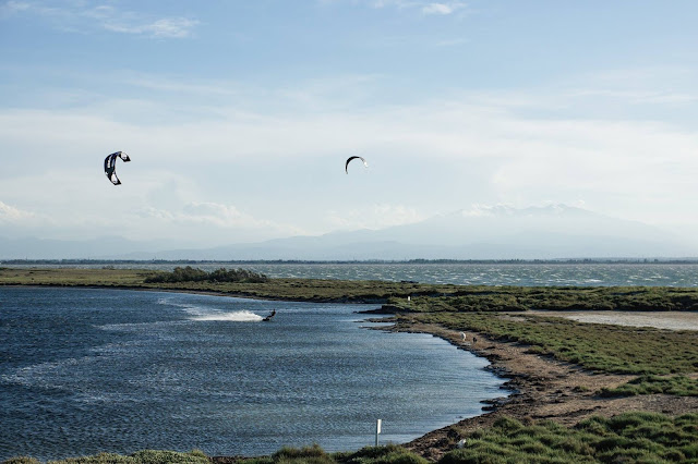 Les dosses barcares spot kitesurf windsurf core kites airush jordan hertaux kevin hoorens