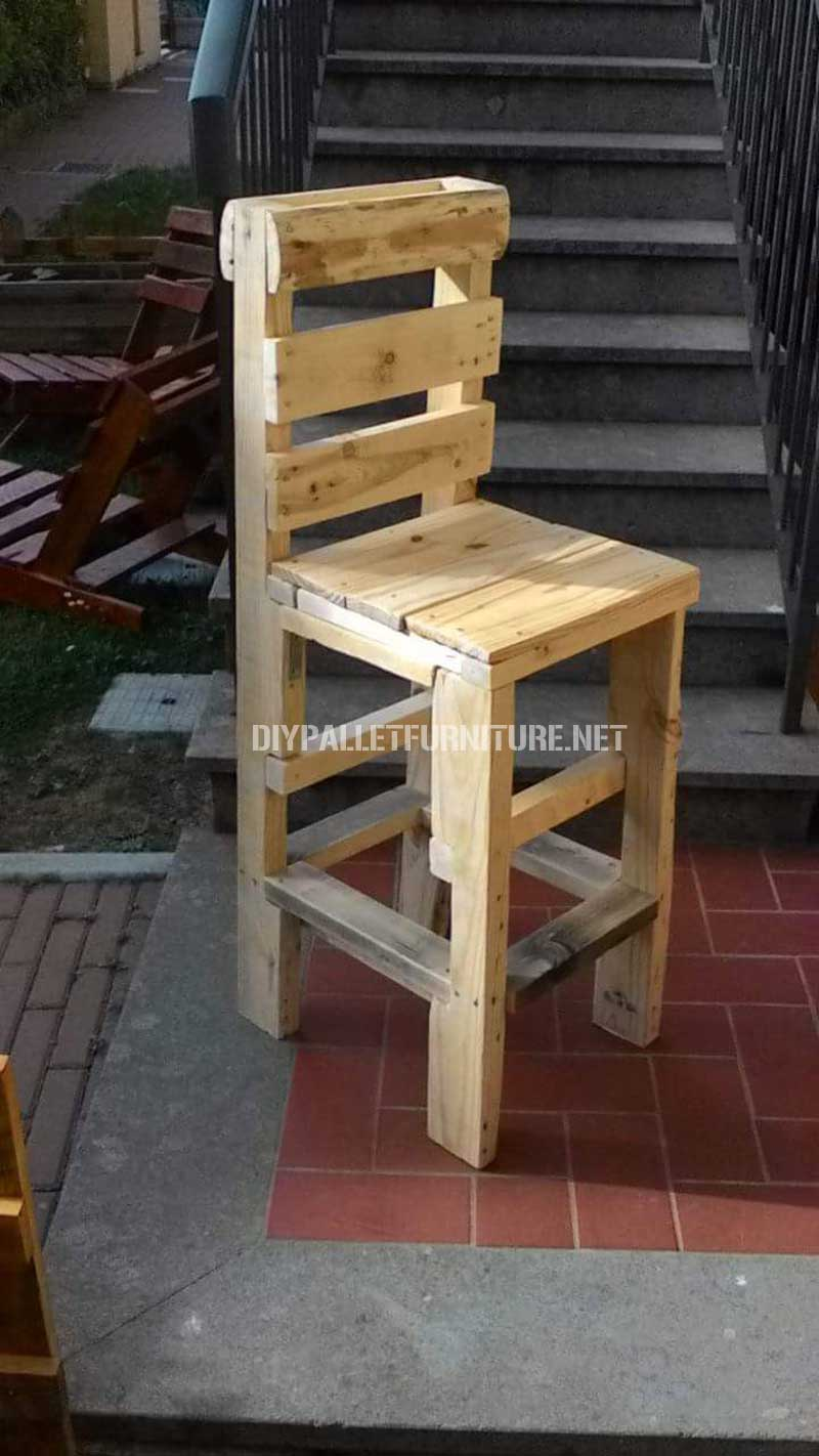 silla realizada con palets. Black Bedroom Furniture Sets. Home Design Ideas