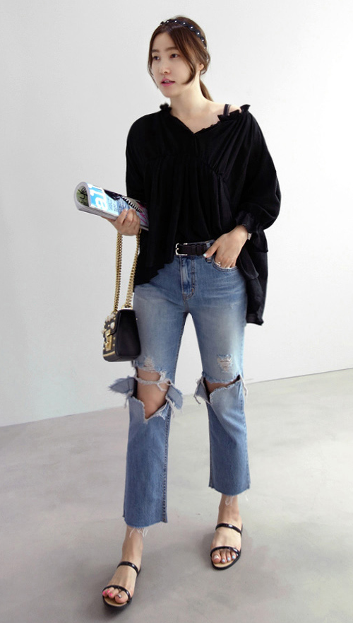 [Miamasvin] Denim Ripped Knee Jeans | KSTYLICK - Latest Korean Fashion | K-Pop Styles | Fashion Blog