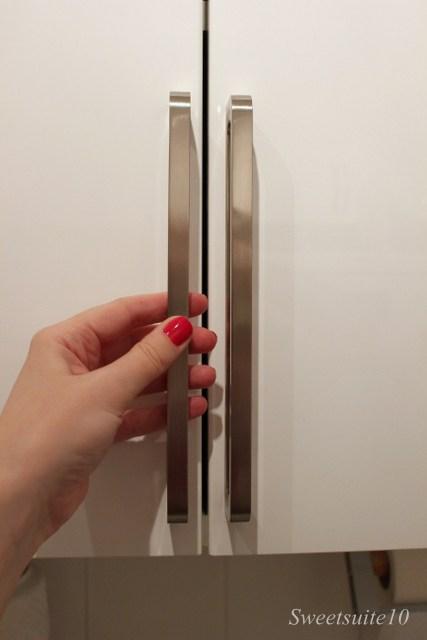Spann kitchen handles on an Abstrakt cabinet